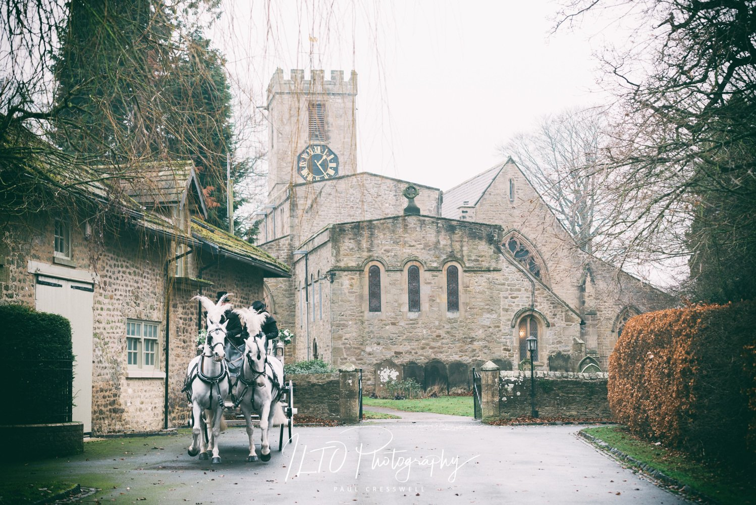 Yorkshire wedding photographer. Horse and carriage.