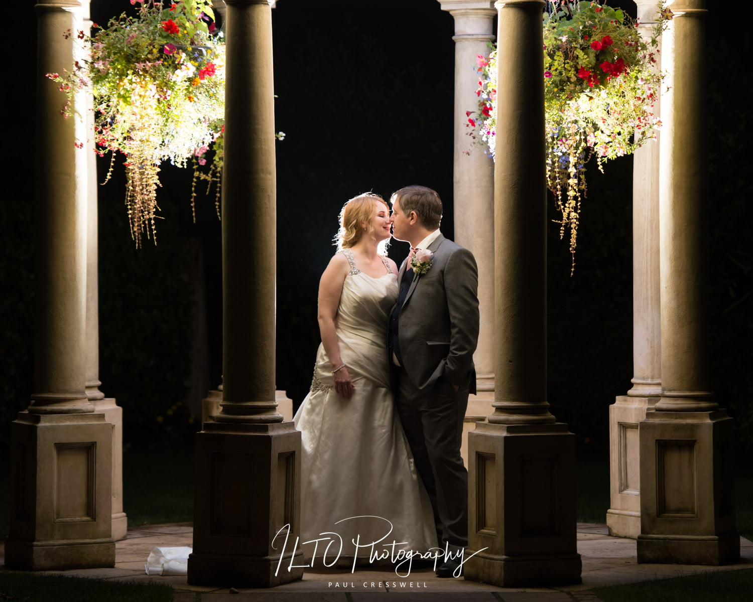 Rogerthorpe Manor Wedding Photographer, West Yorkshire Wedding photographer
