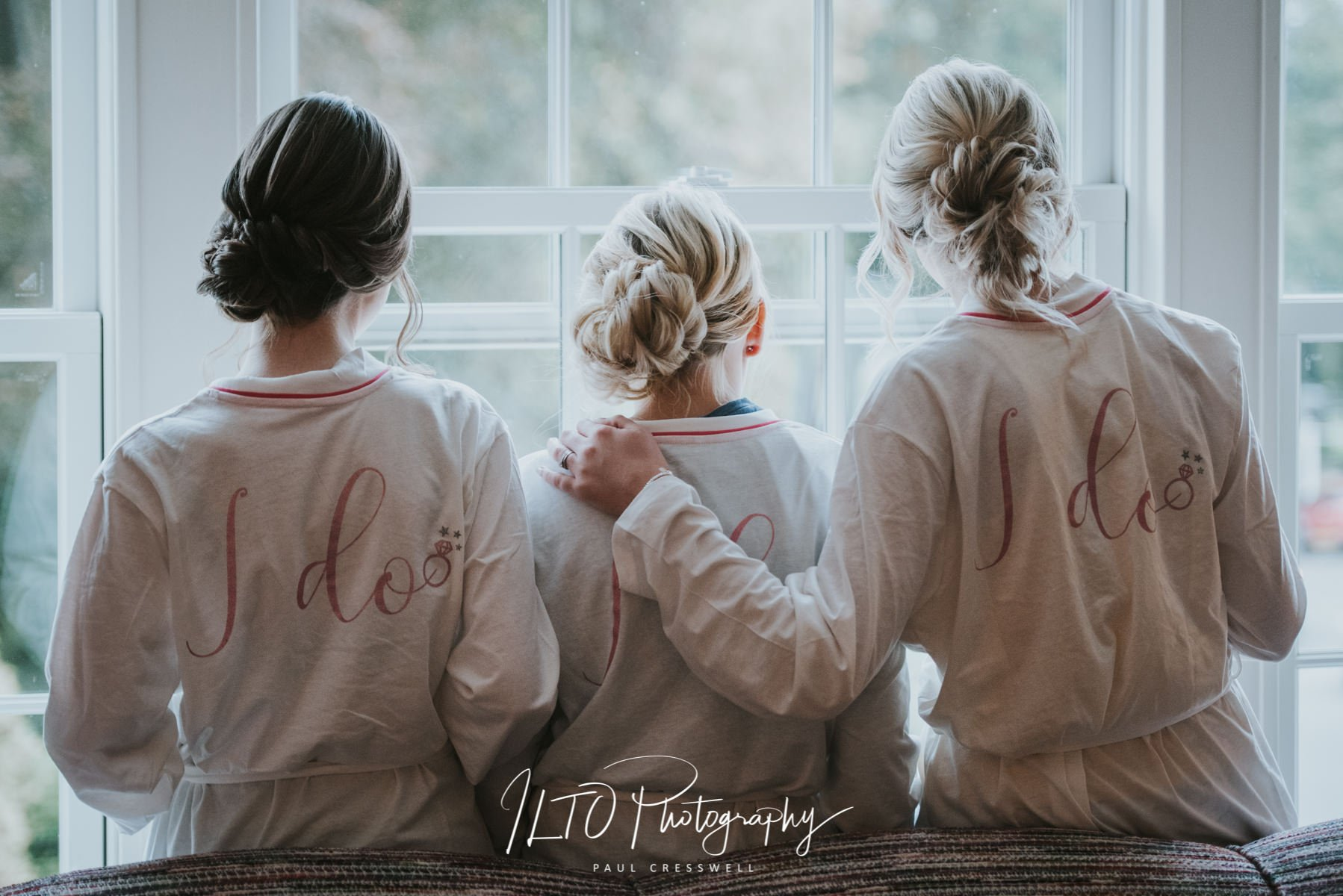 Bridesmaid dressing gowns for wedding, Wentbridge house wedding
